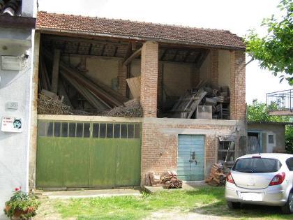 Immobiliare lz for Piccola casa con avvolgente portico